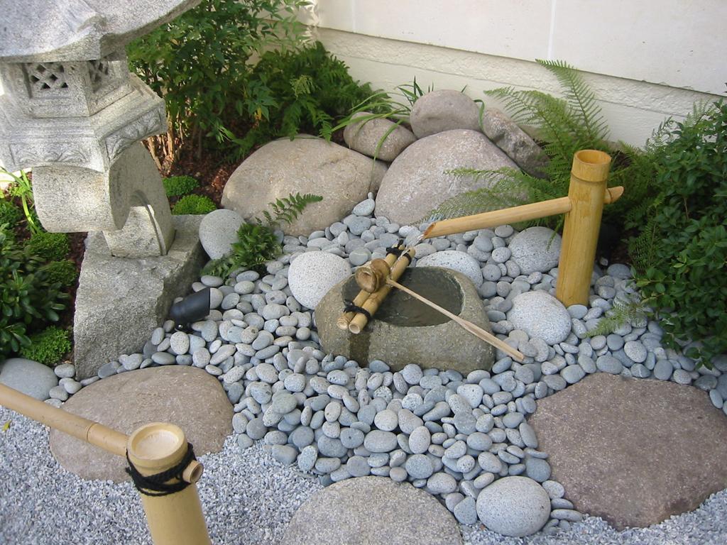 Bambous conception et am nagement de jardins jardins japonais jardins zen asiatiques - Poterie decorative pour jardin ...